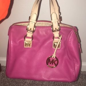 Micheal Kors Pink Purse